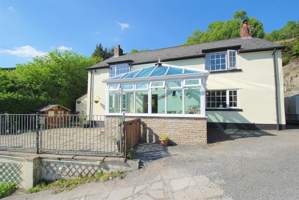 4 Bedrooms Detached House for sale in Pantmawr, Llanidloes