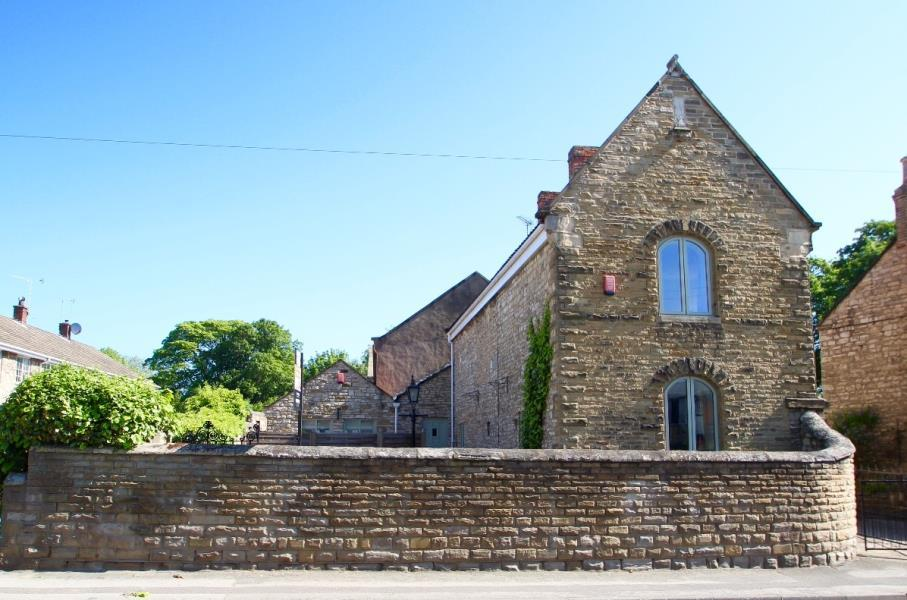 3 Bedrooms Cottage House for sale in MAIN STREET, MONK FRYSTON, LEEDS, LS25 5DU