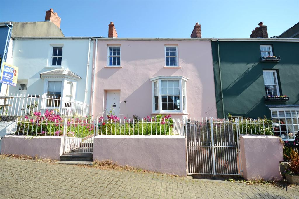 3 Bedrooms Town House for sale in Main Street, Pembroke
