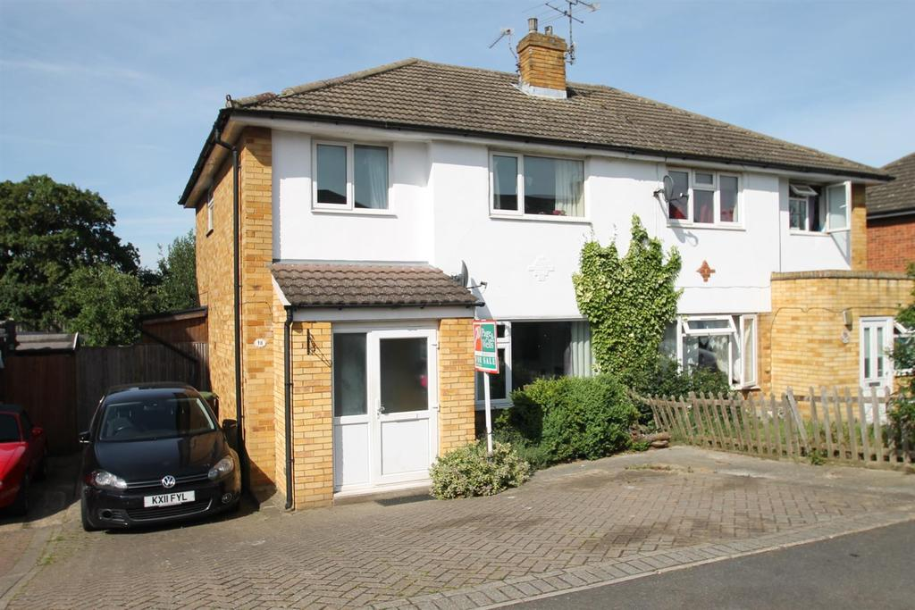 3 Bedrooms Semi Detached House for sale in Robson Drive, Aylesford