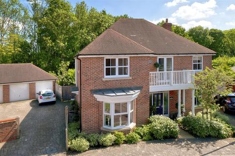 5 bedroom detached house for sale - Atlas Close, Kings Hill, ME19 4PS