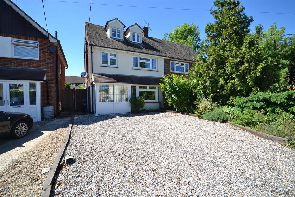 4 Bedrooms Semi Detached House for sale in Burnham Road, Southminster