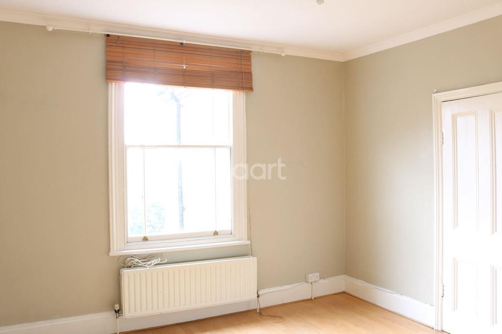 1 Bedroom Flat for sale in Barry Road, East Dulwich, London, SE22