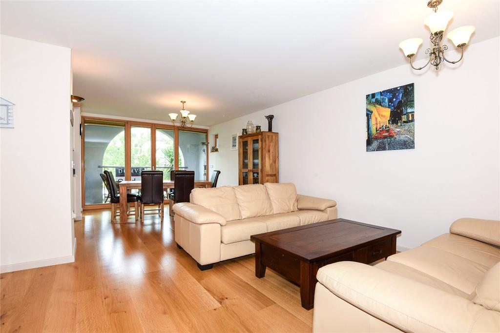 3 Bedrooms Apartment Flat for sale in Weymouth, Dorset