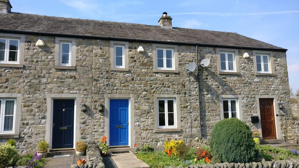 2 Bedrooms Terraced House for sale in 4 Brook House Croft, Stainforth