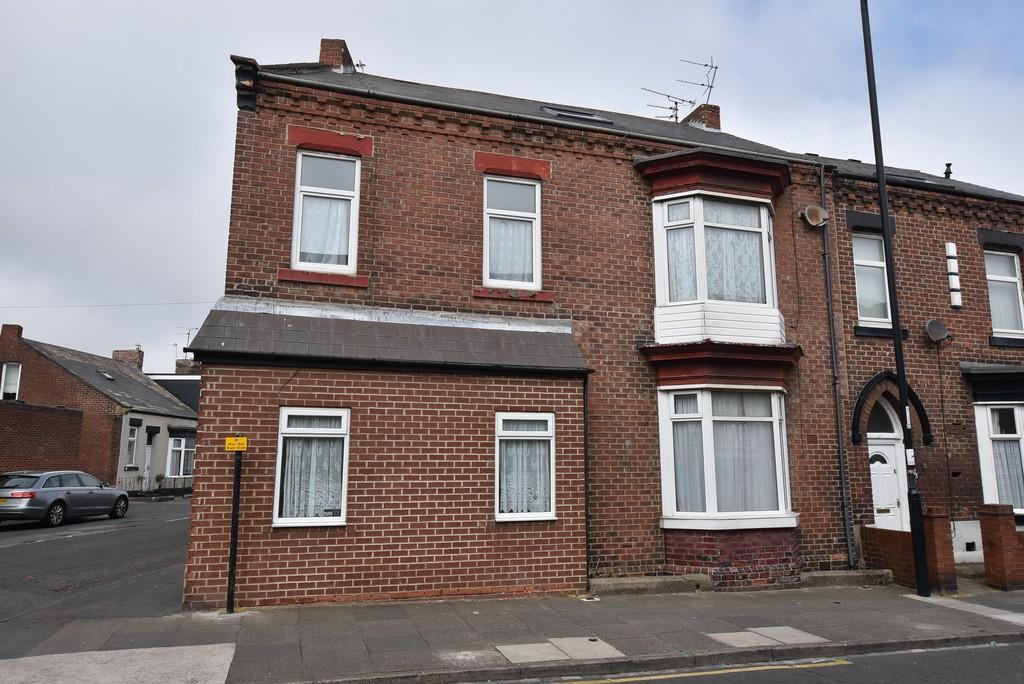 4 Bedrooms End Of Terrace House for sale in Forster Street, Roker
