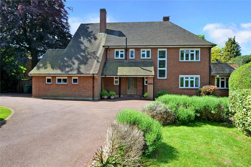 5 Bedrooms Detached House for sale in Howell Hill Grove, Epsom, Surrey, KT17