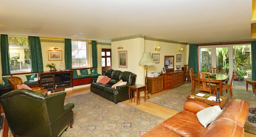 5 Bedrooms Detached House for sale in Chapel Road, Burnham-on-Crouch