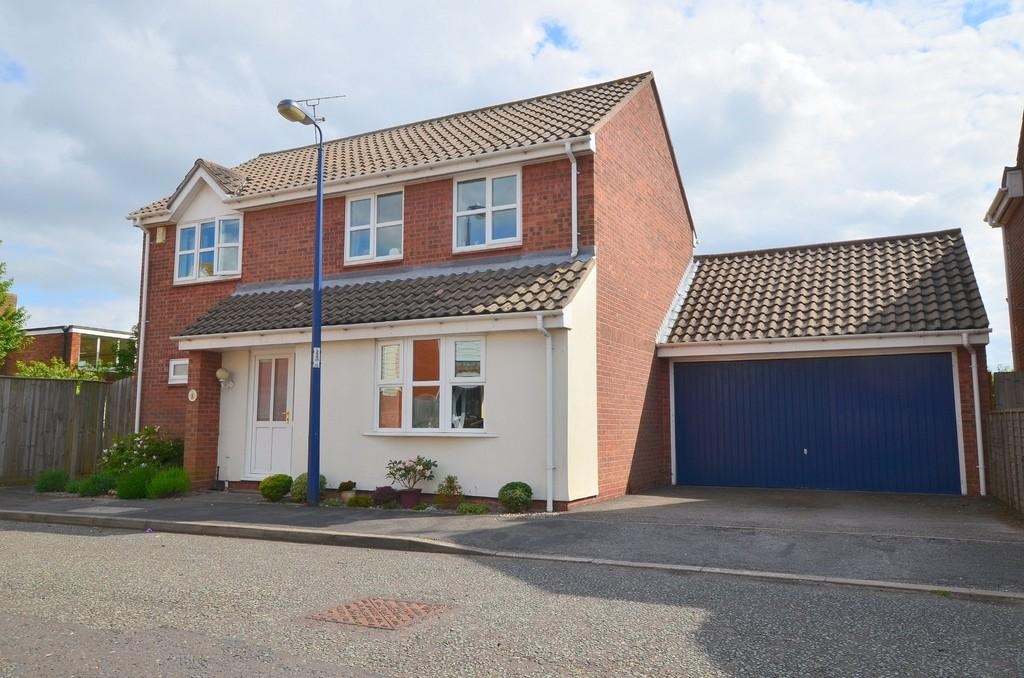 4 Bedrooms Detached House for sale in Nursery Walk, Felixstowe