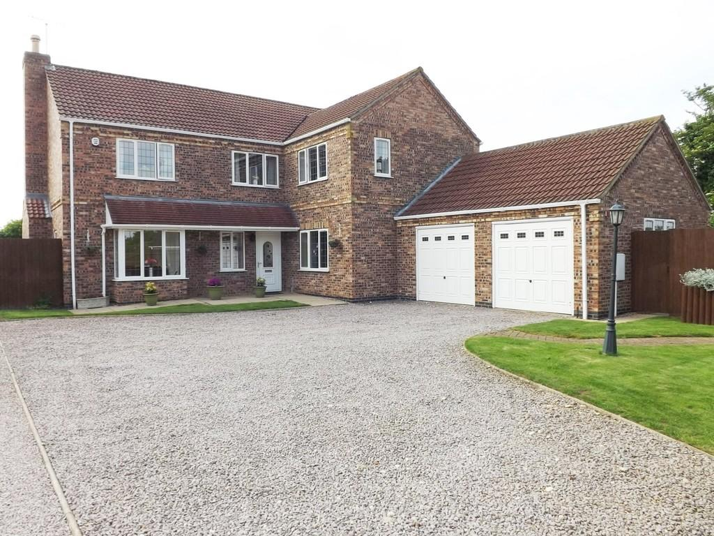 5 Bedrooms Detached House for sale in Holbeach Clough