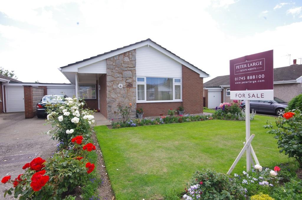 2 Bedrooms Detached Bungalow for sale in Grenville Avenue, Rhuddlan