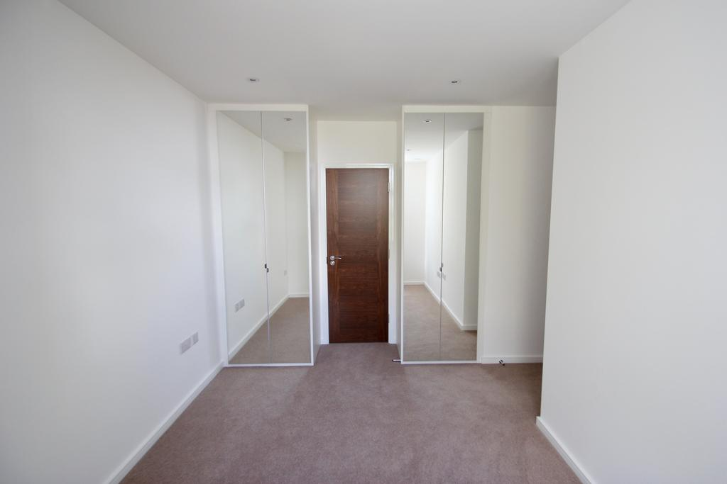 Keystone house 60 london road st albans 2 bed apartment to rent 1 350 pcm 312 pw Master bedroom clementi rent