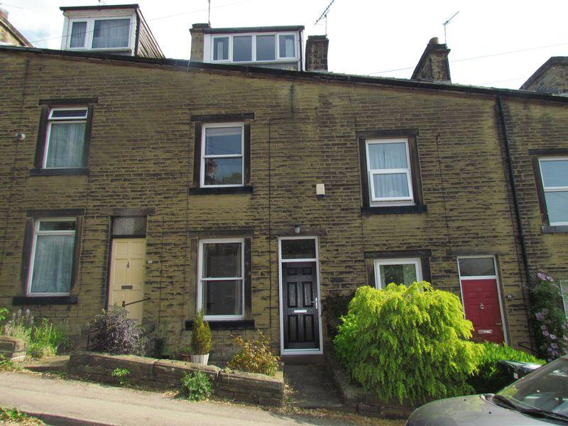 2 Bedrooms Terraced House for sale in Nethermoor View, Bingley
