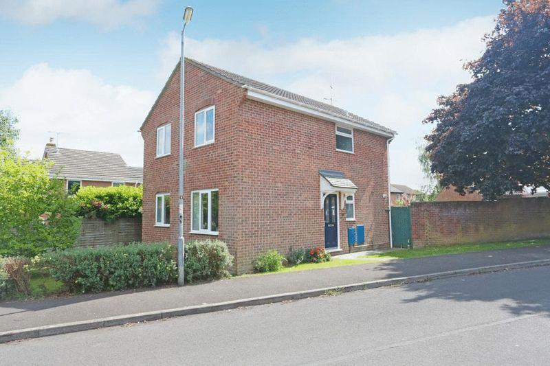 4 Bedrooms Detached House for sale in Hatton Way, Corsham