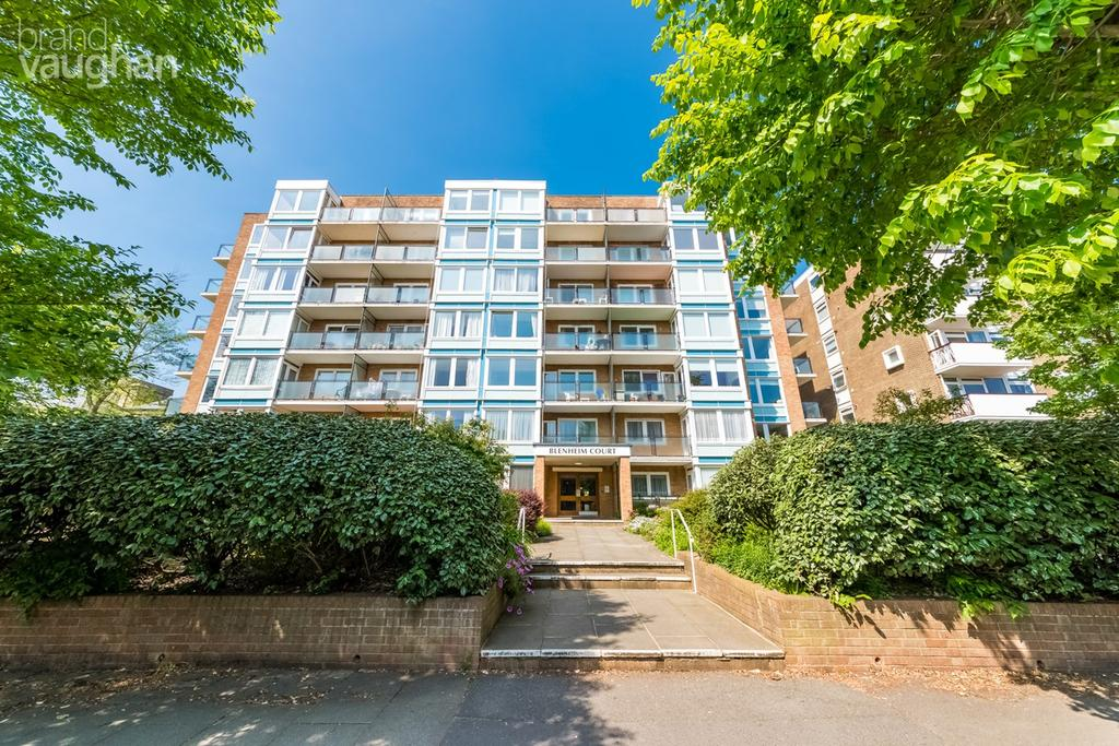 2 Bedrooms Apartment Flat for sale in New Church Road, Hove, BN3