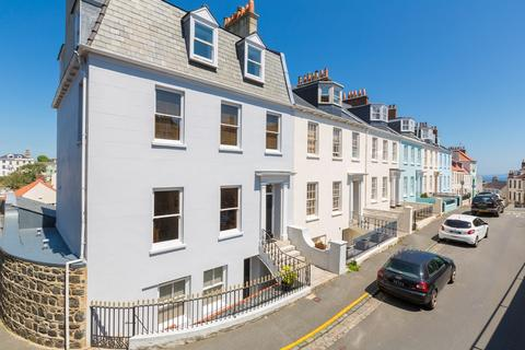 6 bedroom end of terrace house for sale - Mount Durand, St. Peter Port, Guernsey
