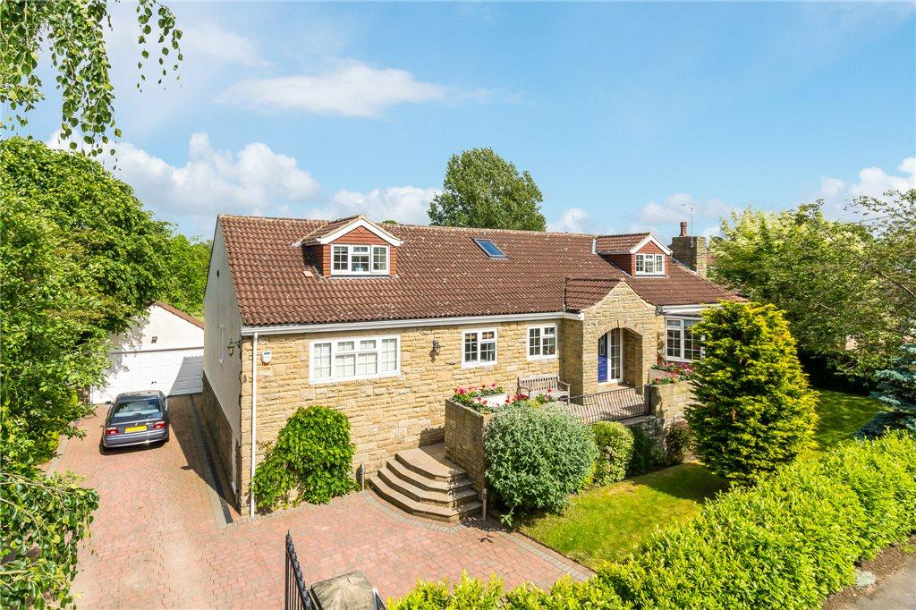 4 Bedrooms Detached House for sale in Roeselare, The Avenue, Collingham, Wetherby