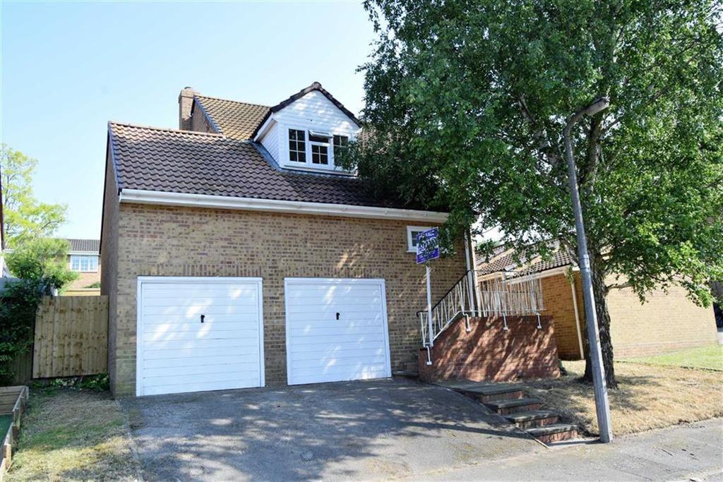 4 Bedrooms Detached House for sale in Bond Road, Rainham, Kent, ME8