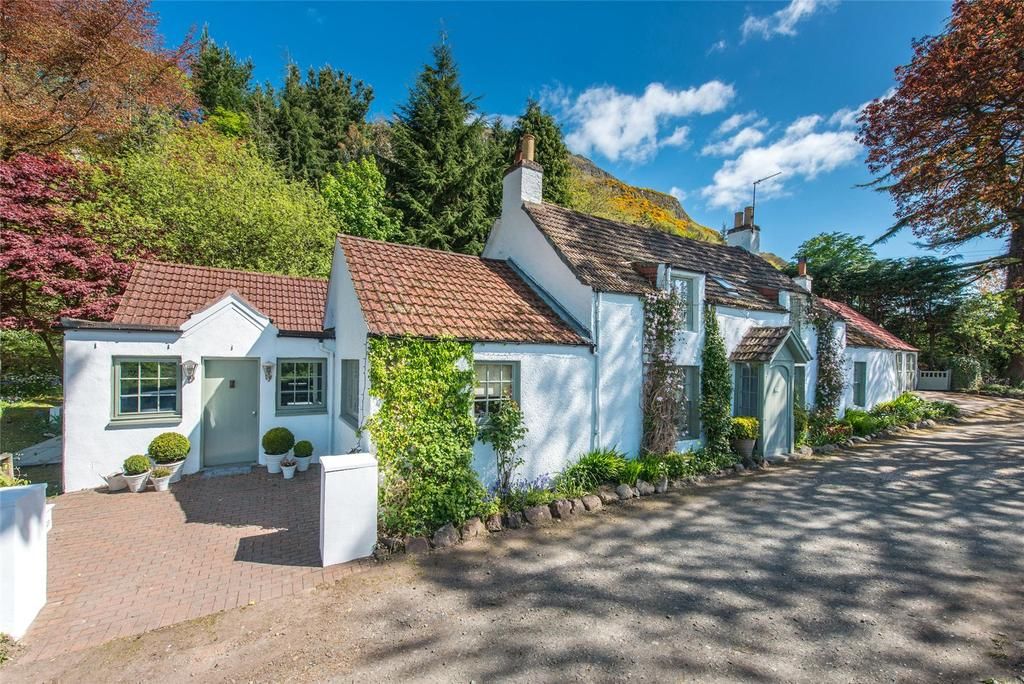 4 Bedrooms Detached House for sale in The Croft, Hillfoots Road, Blairlogie, Stirling, Stirlingshire
