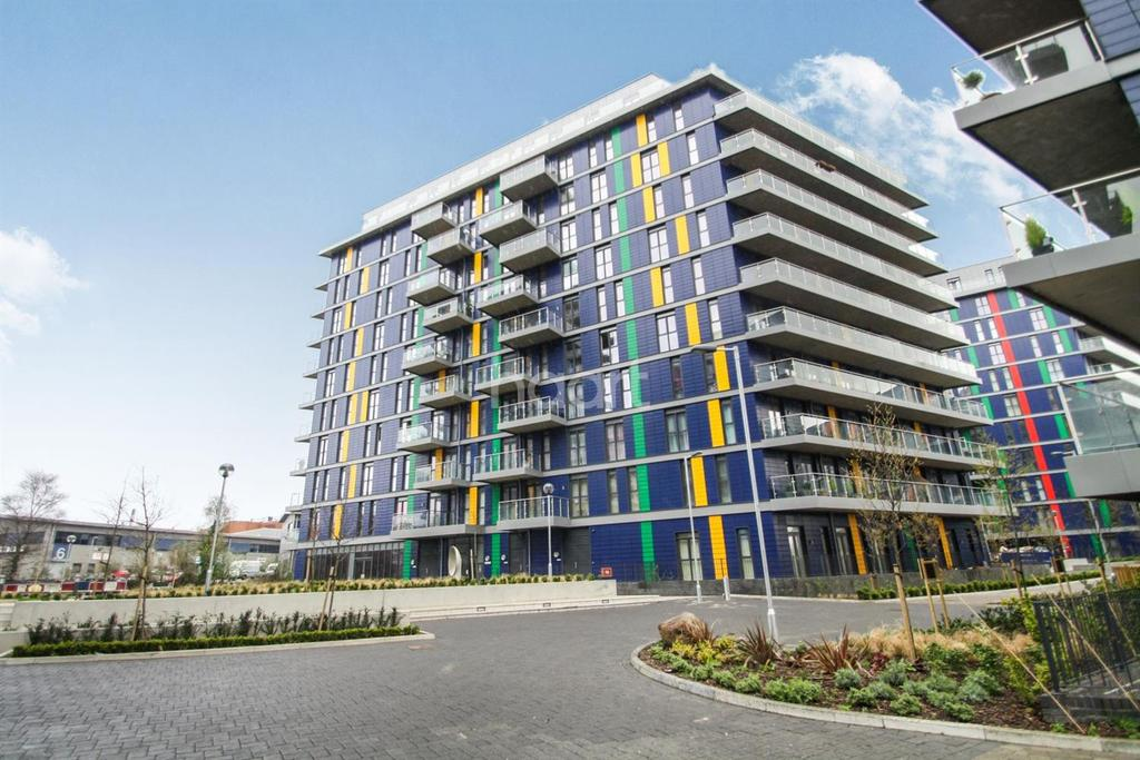 2 Bedrooms Flat for sale in Wembley