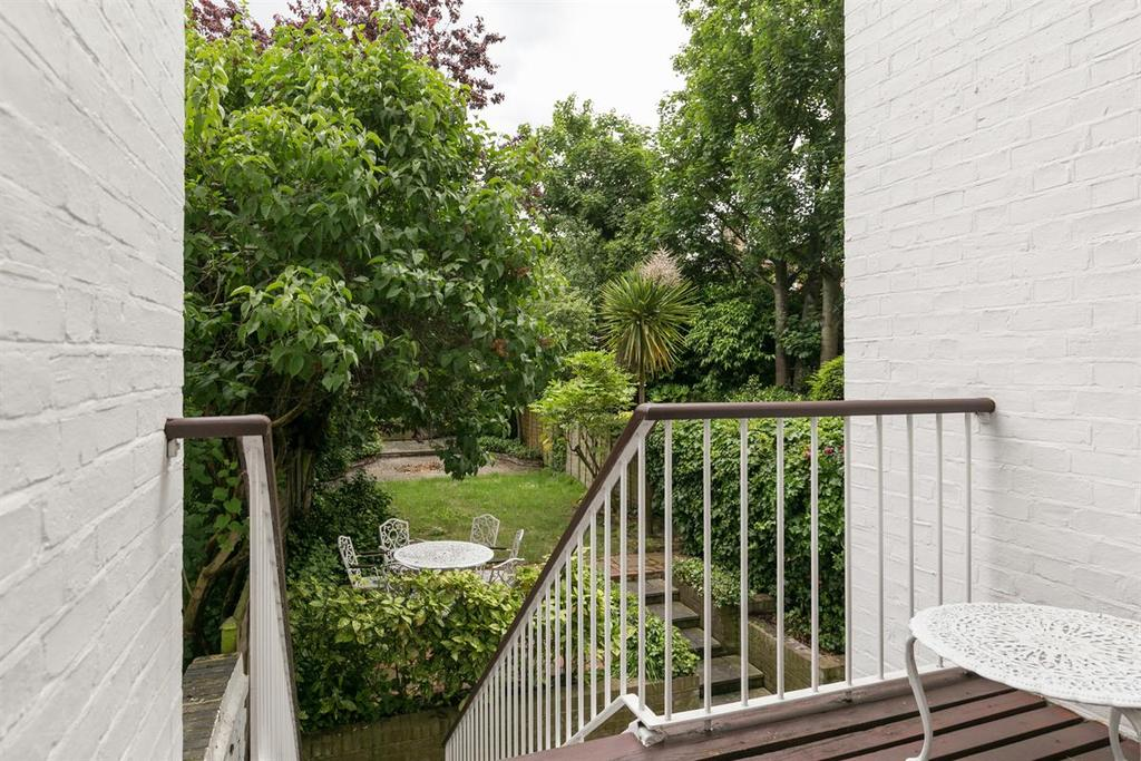 3 Bedrooms Flat for sale in Elm Park Road, SW3