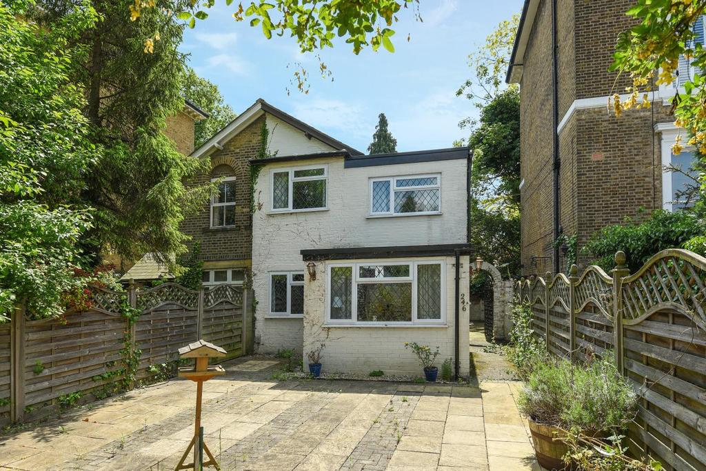 3 Bedrooms Semi Detached House for sale in Southlands Road, Bromley, BR1