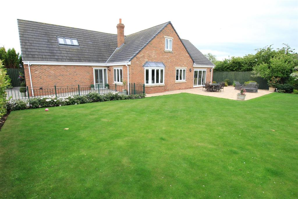 4 Bedrooms Detached House for sale in Front Street South, Trimdon Village, Sedgefield