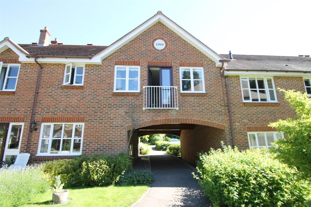 2 Bedrooms Retirement Property for sale in Old Ashford Road, Lenham, Maidstone