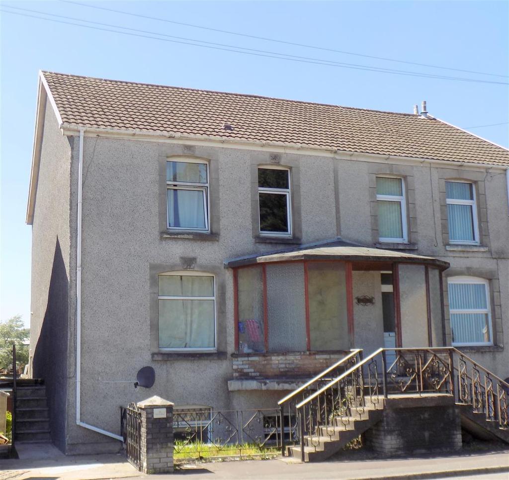 3 Bedrooms Maisonette Flat for sale in Church Road, Llansamlet, Swansea