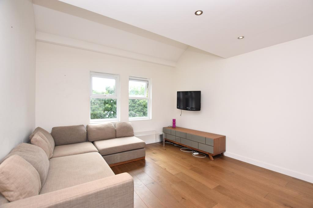 2 Bedrooms Flat for sale in Longfellow Way Southwark SE1