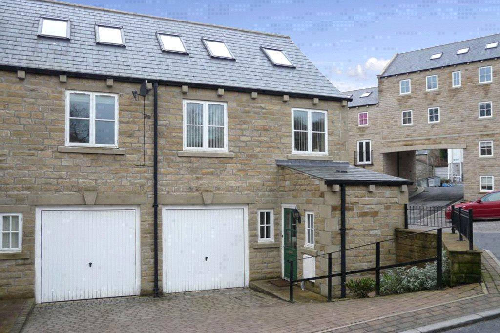3 Bedrooms Semi Detached House for sale in Woodcote Fold, Oakworth, Keighley, West Yorkshire