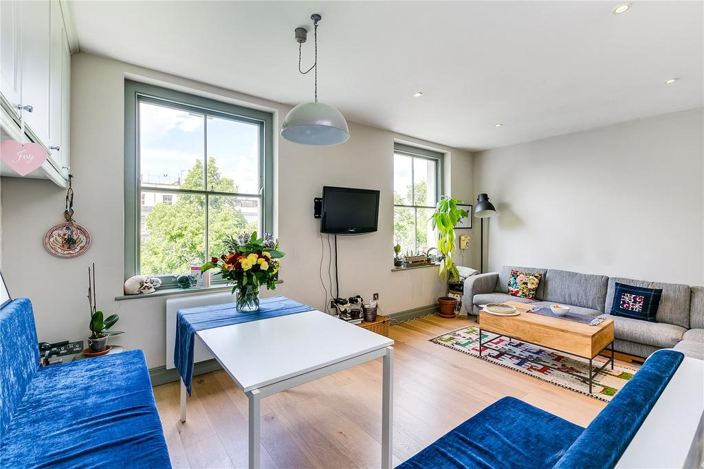 2 Bedrooms Flat for sale in St. Stephens Gardens, London