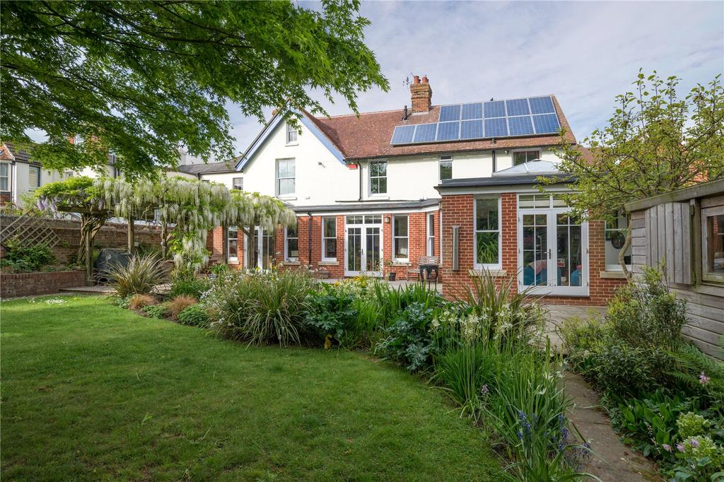 4 Bedrooms Detached House for sale in Whitstable Road, Canterbury, Kent