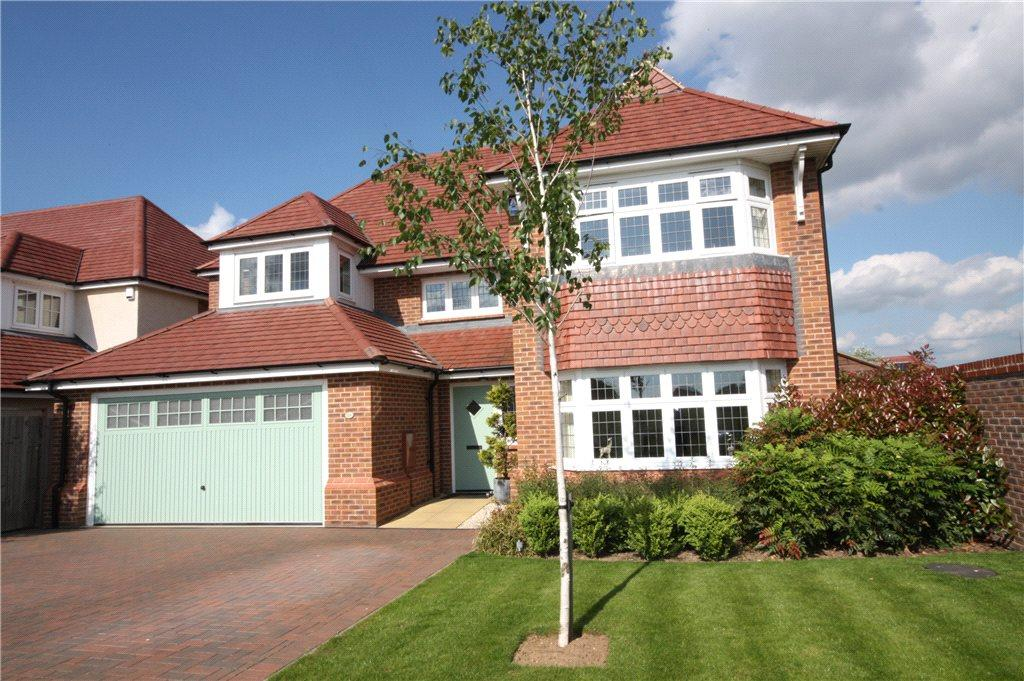 4 Bedrooms Detached House for sale in Doherty Avenue, Worcester, Worcestershire, WR2