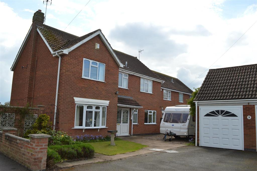 4 Bedrooms Detached House for sale in Fleckney Road, Kilby, Leicestershire