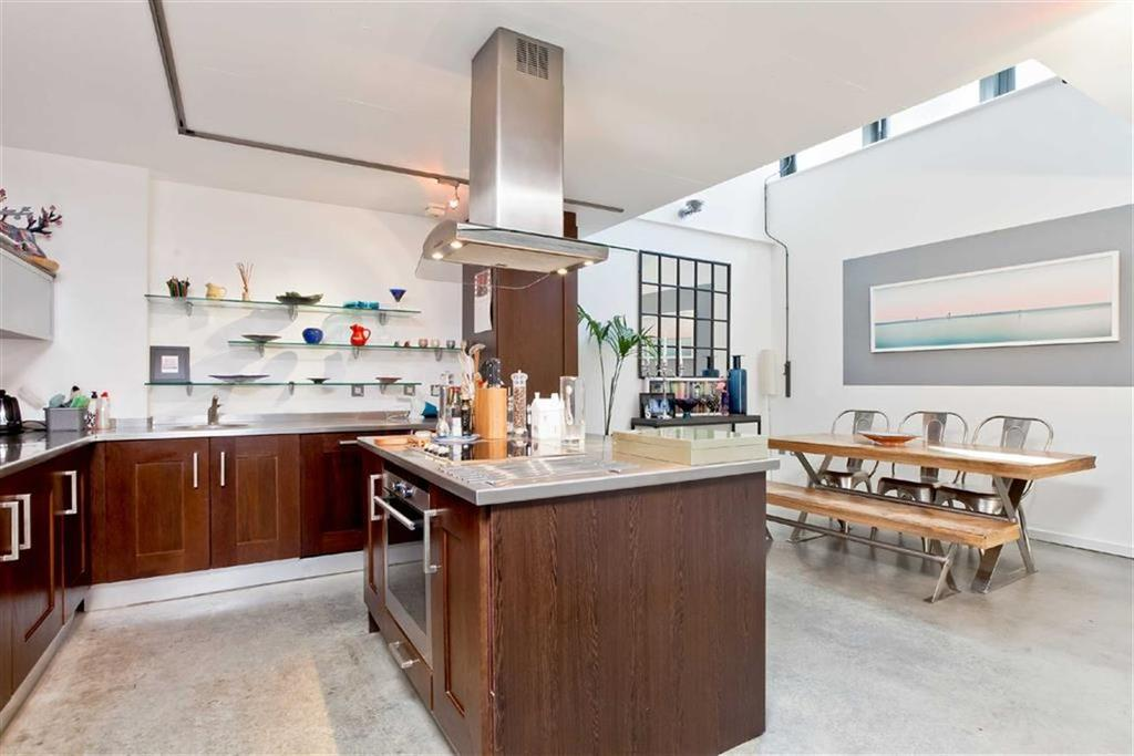 2 Bedrooms Apartment Flat for sale in Connaught Road, Hove