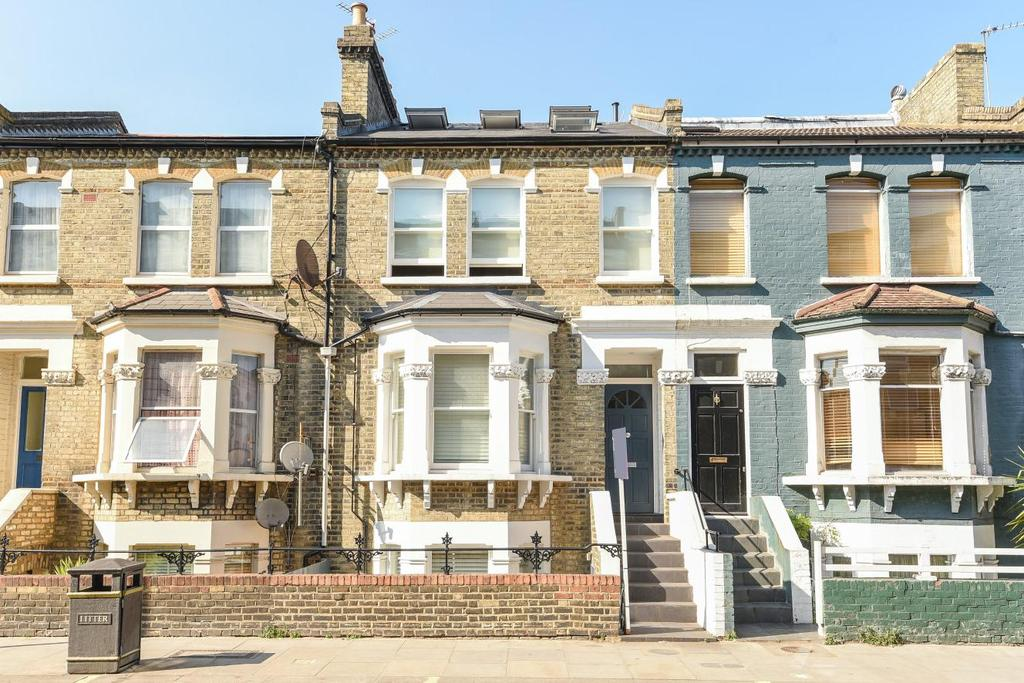 1 Bedroom Flat for sale in Dawes Road, Fulham, SW6