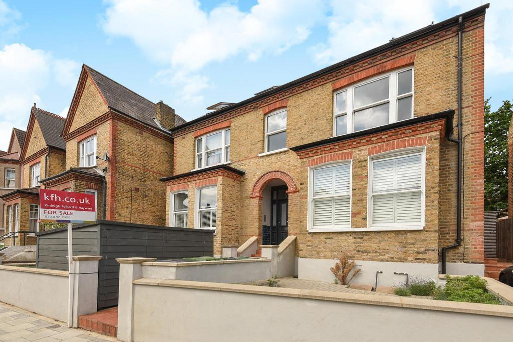 2 Bedrooms Flat for sale in Casewick Road, West Norwood, SE27