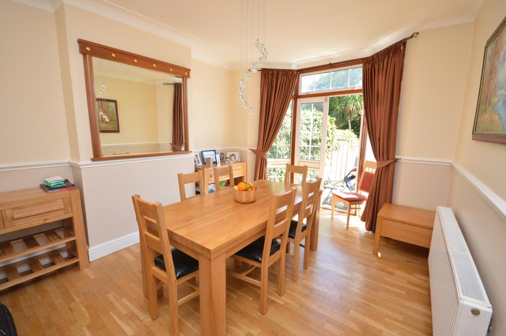 3 Bedrooms End Of Terrace House for sale in Montacute Road Catford SE6