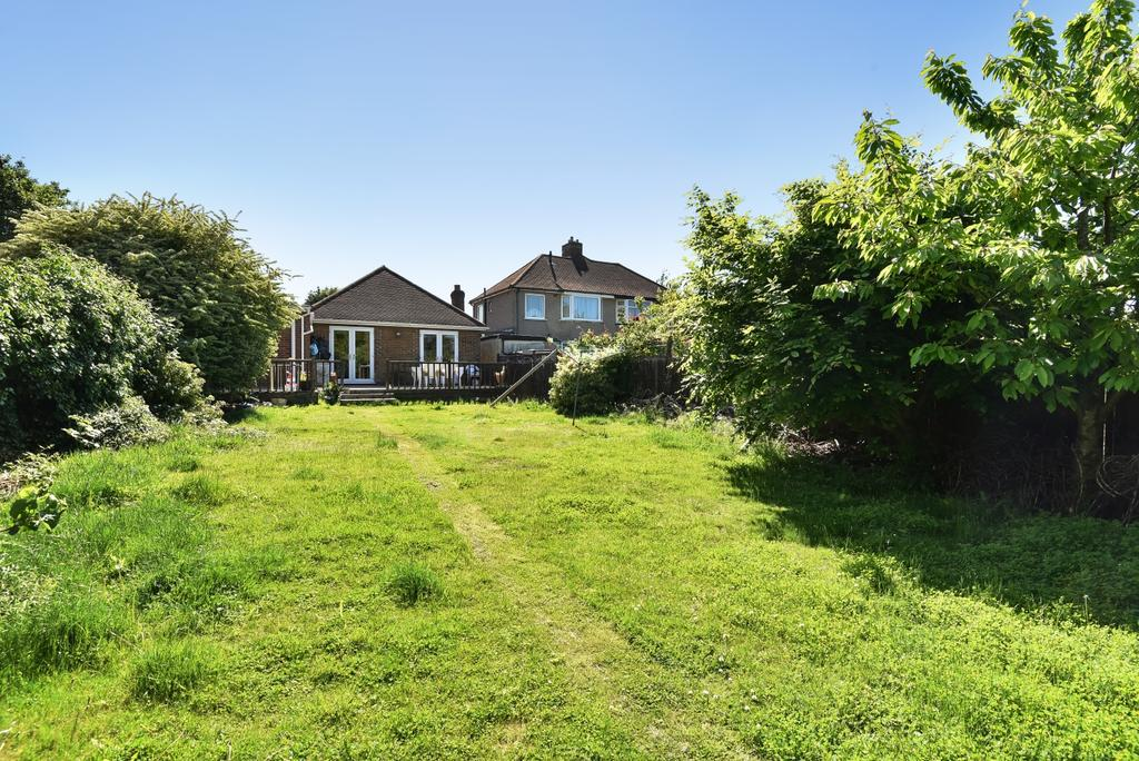 3 Bedrooms Bungalow for sale in Bournewood Road Orpington BR5
