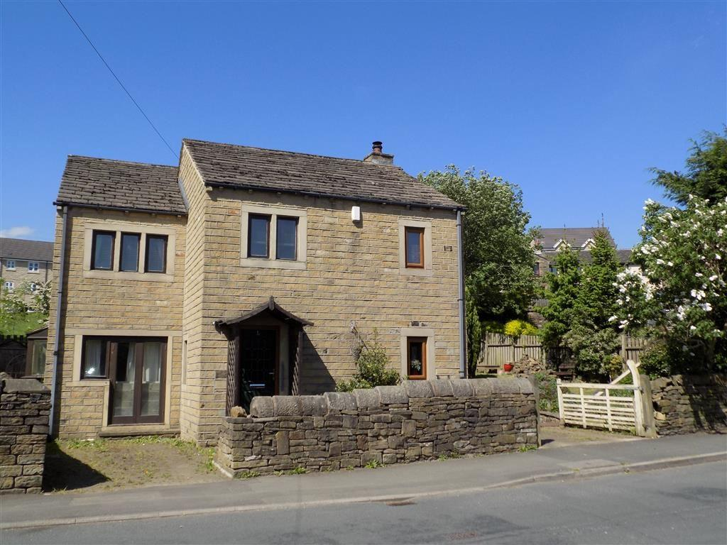 4 Bedrooms Detached House for sale in Weatherhill Road, Lindley, Huddersfield, HD3