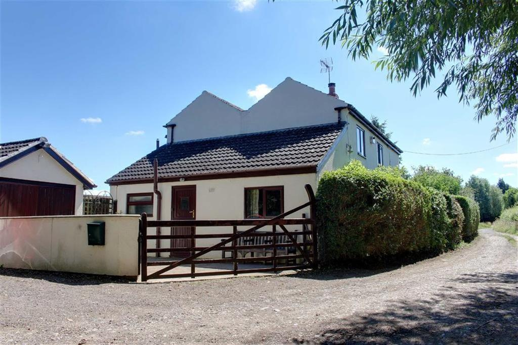3 Bedrooms Detached House for sale in Drymeadow Lane, Innsworth, Gloucester