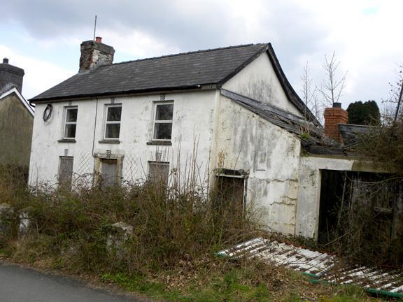 House for sale in Llanybydder