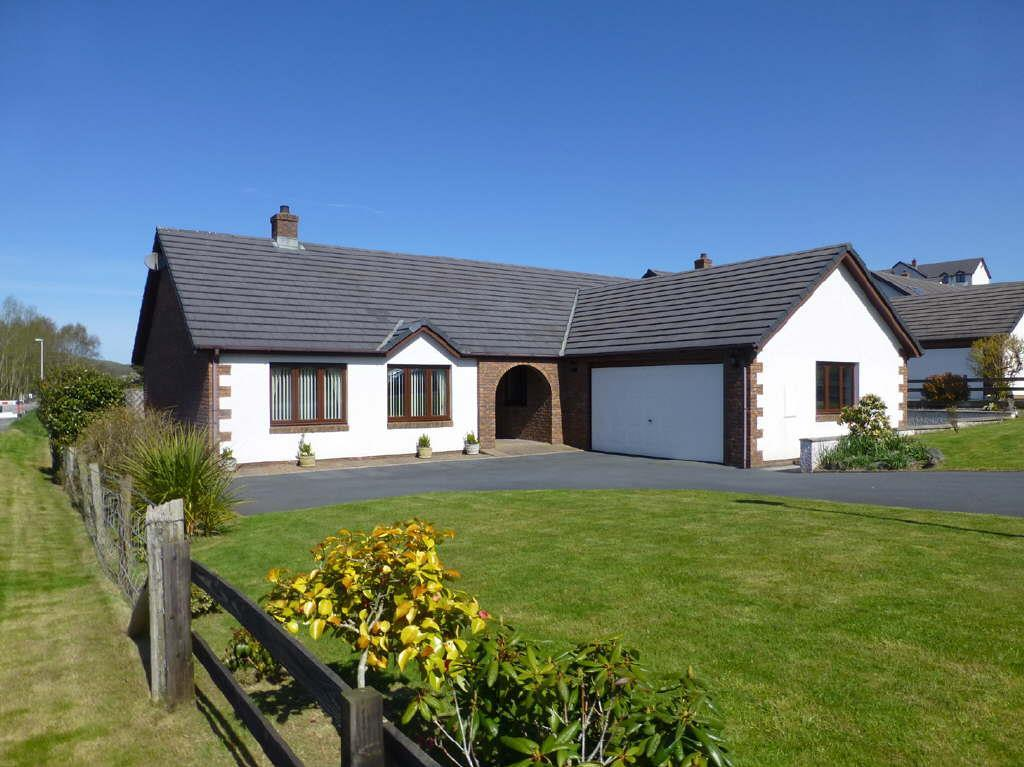 3 Bedrooms Bungalow for sale in Bryn Eglur, Llanfarian, Aberystwyth