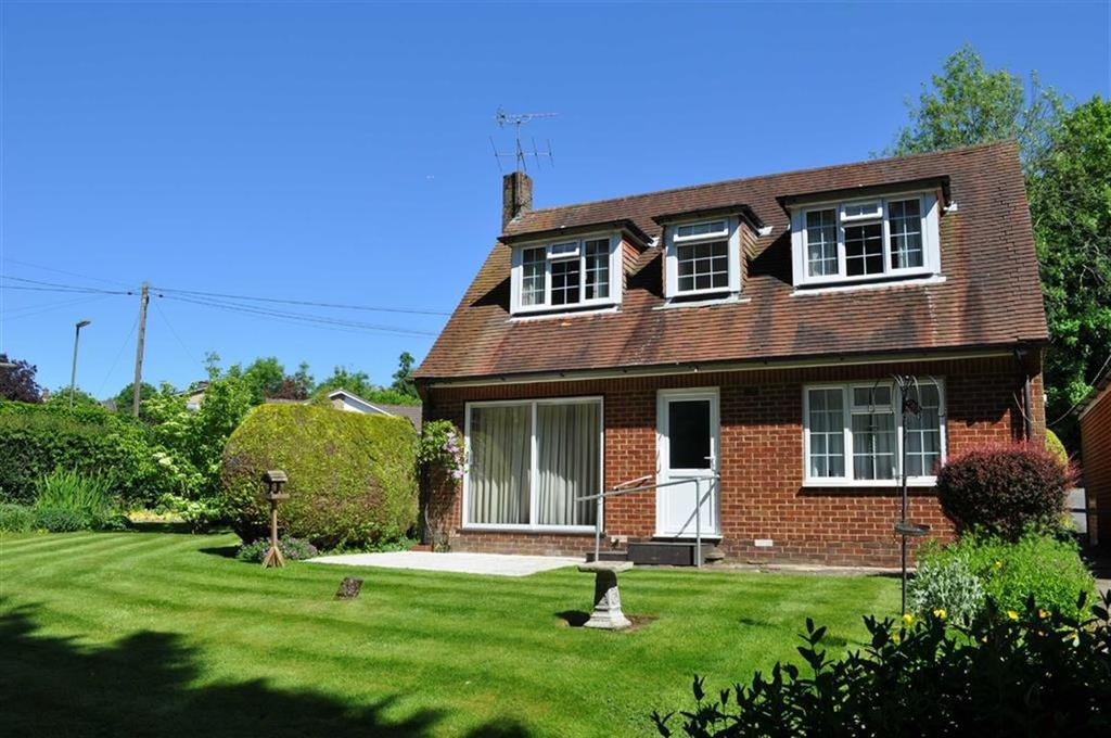2 Bedrooms Detached House for sale in Oast House Lane, Farnham, Surrey