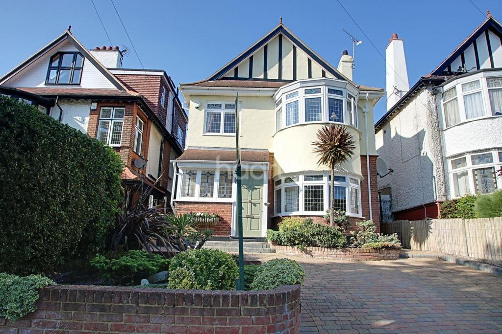 4 Bedrooms Detached House for sale in Galton Road