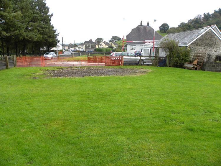 3 Bedrooms Plot Commercial for sale in At Llysawel, Llanybydder