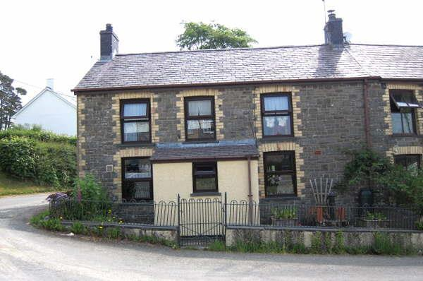 3 Bedrooms House for sale in Drovers, Ffaldybrenin, Llanwrda