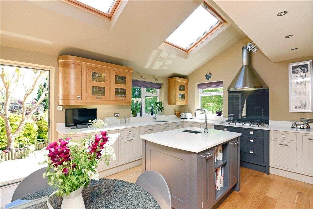 5 Bedrooms Detached House for sale in Spofforth Hill, Wetherby, West Yorkshire