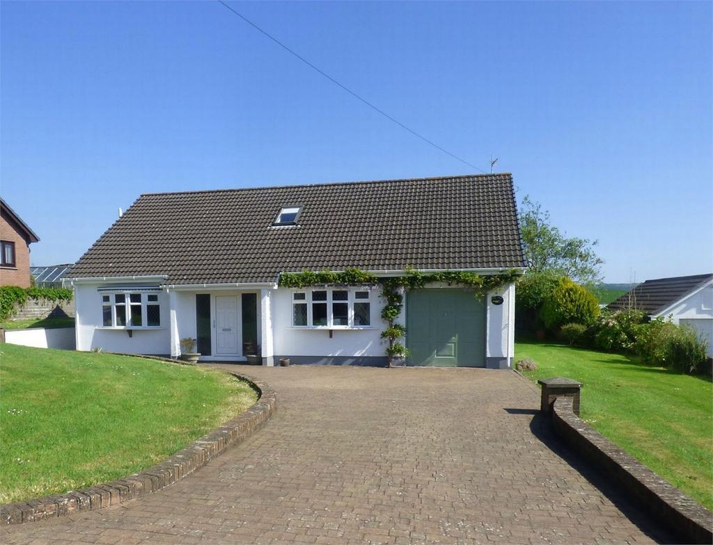 4 Bedrooms Detached Bungalow for sale in Ty Twt, Meinciau Road, Mynyddygarreg, Carmarthenshire